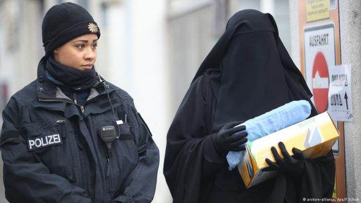 Merkel says burqa likely hinders integration in Germany